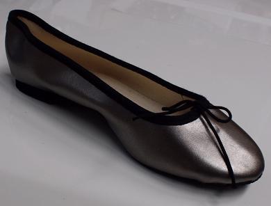 Queen Size Exclusive Ladies Footwear, Classic Pumps, Gunmetal, Winter Collection.