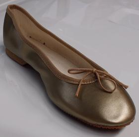 Queen Size Exclusive Ladies Footwear, Classic Pumps, Gold, Winter Collection.