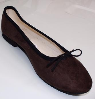 Queen Size Exclusive Ladies Footwear, Classic Pumps, Brown, Winter Collection.