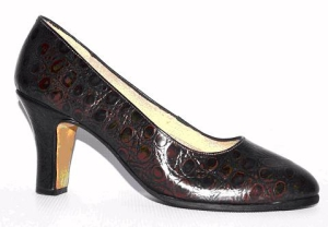 Queen Size Exclusive Ladies Footwear, Classic Court Medium Heel, Sales page.