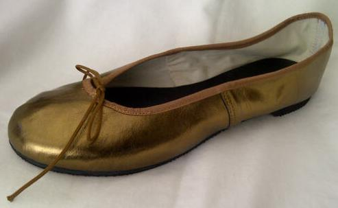 Queen Size Exclusive Ladies Footwear, Fashion Pumps, Ballet Pumps with a Twist, Gold.
