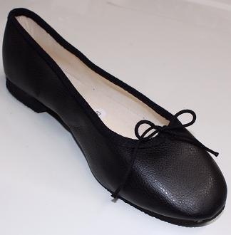 Queen Size Exclusive Ladies Footwear, Classic Pumps, Black, Winter Collection.