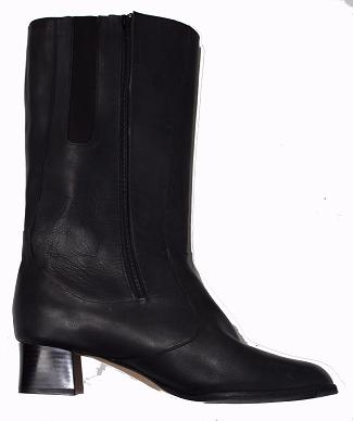 Queen Size Exclusive Ladies Footwear, Mid Boot,Leather, Winter Collection.